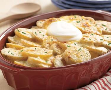 creamy scalloped potatoes 770x628 1